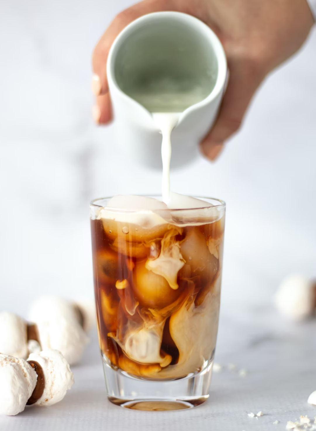 Iskaffe med skummad mjölk